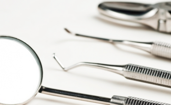 Dental-instruments-cleaning